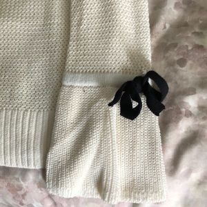 White knit light weight sweater